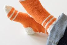knit: socks / handknit socks for inspiration, pattern ideas, free patterns, patterns/books to buy / by MayMay