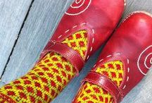 knit: socks in shoes / love to see people's ideas, get ideas of my own / by MayMay