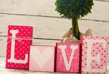 HOLIDAYS: Valentine's Day / by Crazy Daze Designs