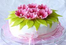 Cake pretties / by Melissa Weiss