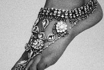 Jewelry - Ankle Bracelet/Toe Ring / by Christy Walcher