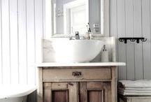 Bathroom Vanity and Sinks