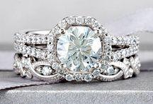 Diamonds are a girls best friend / Wedding  / by Elizabeth Safiran