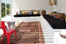 Kilims on the porch / A colorful kilim rug anchors and enlivens your porch. Take that indoor beauty outside and create a colorful and warm look. Discover how!