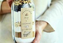 Gift Ideas / by Jessie Barnes