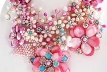 Sparkly Shiny Swanky / by Laurie Rickson