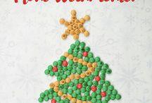 Weihnachten mit My M&M's / Personalisierte My M&M's Schokolade als Geschenkidee zu Weihnachten. Ideal zum dekorieren. Personalisierte Schokolinsen für die Weihnachtstafel oder als Geschenk unterm Weihnachtsbaum. Die Gestaltungsmöglichkeiten sind grenzenlos. Wir zeigen Ihnen die schönsten und weihnachtlichsten Varianten!