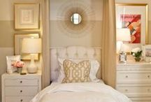 White & Gold Bedroom Ideas / White and Gold bedroom, White room decor, Gold room decor