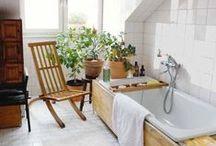 Bathroom Retreats / by Jessica Cheung
