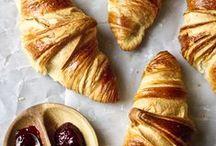 Croissants / by Sina Fdz