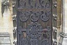 E N T R Y  / Thresholds and doorways.