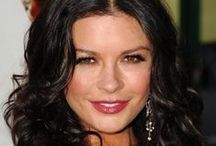 ♥♥Zeta Jones ♥♥ / Born 25 .9.1969 is a Welsh actress. She began her career on stage at an early age. After starring in a number of British and American television films and small roles in films, which included The Darling Buds of May from 1991 until 1993, she came to prominence with roles in Hollywood movies including the action film The Mask of Zorro (1998) and the crime thriller film Entrapment (1999). Her breakthrough role was in the film Traffic (2000),  / by Mayra Elisa Portillo