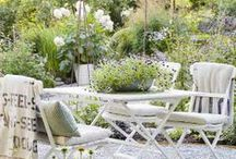 Outdoor Spaces / Porches, Patios, Decks, Nooks  / by Lisa Hughes