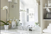 Cloakroom/Powder Room - Traditional