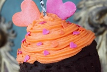 Giant Cupcake Madness / Giant cupcakes have been one of the biggest hits and most popular items to bake within the past year of Cake Decorating magazine's Facebook community. Everyone's a fan! / by Cake Decorating UK