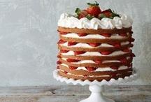 Cakes / by Eva Montano