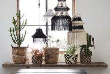 Stijl Studio: Botanic / vtwonen Stijl Studio 'Botanic' haalt alle goeds van buiten naar binnen! Met warme aardetinten, bladmotieven en een spannende materiaalmix van doorleefd hout, geschuurd leder en rotan creëer je je eigen binnentuin in een handomdraai!