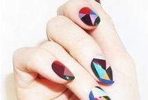 NAIL ART / Nail designs, art ideas + nice polishes.