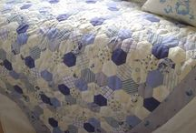Quilts - hexies / by Jean Hunter