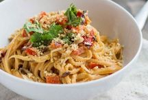 Asian Eats / by Claudia Elzinga