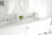 Bathrooms / by Marna Rugg Givans