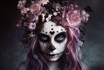 ☩● Santa Muerte ●☩ / ╰ La Santa Muerte ou Santísima Muerte ou encore Doña Sebastiana est la figure emblématique d'un mouvement religieux méxicain. On prie la Santa Muerte pour les cas désespérés (malades, prisonniers, victimes de l'injustice…) et pour tout ce dont on a besoin (emploi, protection du foyer, santé, rivalités…). On peut l'invoquer pour tout type de demandes, tant pour demander le bien que le mal. El dia de los muertos, ou le jour des morts, se célèbre joyeusement le 1er novembre ╮