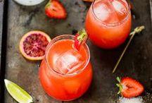 Drinks / by Odette Scherman