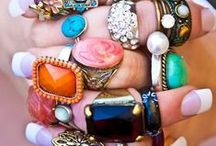 Accessories / by Carolyn Jane
