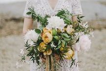 In the hand / bouquets, posies and flowers for your hands / by Lindsey Brown