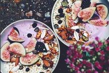 Smoothie Bowls / Ridiculously simple ways to create amazing (and healthy) breakfasts.