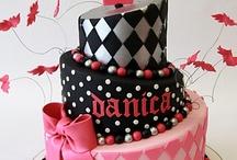 Cake decorating / by Jennifer Dougherty