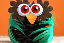 Fall Fun for Kids! / Fall activities for kids,  leaf crafts, handprint trees, + more!