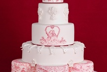 Toile de Jouy Valentines Cake by Patricia Arribálzaga / Hand painted cakes