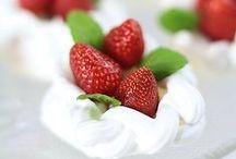 Truskawki / http://pozytywnakuchnia.pl/pomysl-na/truskawki/ Przepisy na dania i desery z truskawkami - pyszne ciasta z truskawkami, desery na ciepło i na zimno oraz truskawki na wytrawnie.