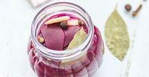 Kiszonki / Przepisy na kiszonki czyli fermentowane warzywa, owoce i zboża, pełne witamin i naturalnych probiotyków, bardzo korzystne dla zdrowia.
