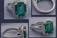 Emerald: 2013 Pantone Color of the Year / Emerald is the 2013 Pantone color of the year.