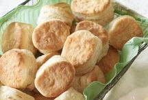 RECIPES: Biscuits, Rolls, Breads & Scones, NO YEAST / by Wendy Epps