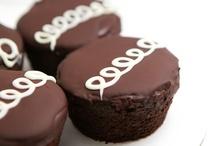 c u p c a k e • c r u s h / I. bake. cupcakes. eat. them. too.