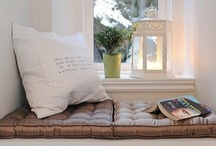 g e t • c o z y / Love a cozy little nook to cuddle up with a good book in....