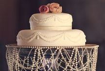 Beautiful: Art in icing and fondant / Cupcakes, wedding cakes, novelty cakes / by Carin Basson