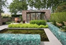 Enclosed Garden Spaces / Enclosed by walls.