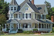 architecture: Victorian mansions / by Sue Corning