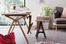 Bolsa | Desk / Modern desk in solid oak, with a saddlebag in leather or cork.