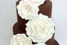 chocolate cakes / by Linda Mashni