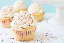Popular Cupcake Recipe Pins / So many delicious cupcake recipes that are perfect for birthdays, celebrations, parties, or just because!