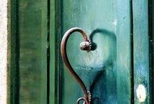 Welcoming Doors / by Carolyn Race