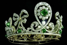 Bling and Accessorise - Use your Head / Anything that goes on your head! Hats, tiaras, crowns, clips, combs, diadems, headbands, hair bling.... / by Ryn Tomas