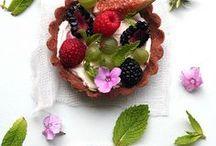 Party | Elegant Bites / Food is art / by Greenvelope.com