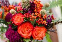 Orange and burgundy autumnal wedding / Fabulous wedding flowers