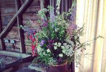 Flowers for Laura and John / Rustic flowers for an Ardington wedding